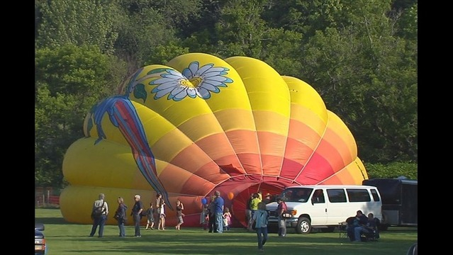 Hometown Hot Air Balloonist Ready in Quechee