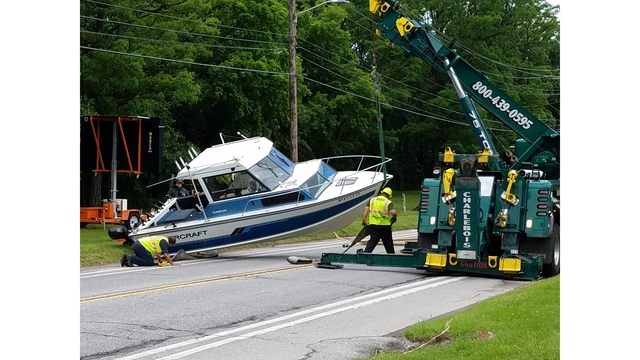 Burlington Police:  Crash With Boat Trailer Halts Traffic on North Avenue