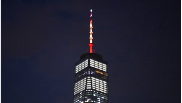 One World Trade Center Lit in Honor of Barcelona Victims