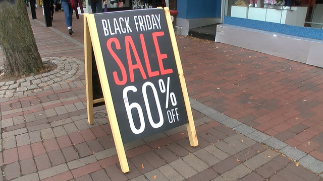 Smartphones steal Black Friday dollars, as mobile sales break records